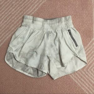 Lululemon Diamond Dye Tracker Short V